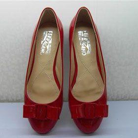 ブランド通販フェラガモ Ferragamo 人气 フラットシューズ フェラガモ 女性革靴 2017新作 レッド 2051激安屋-ブランドコピー 品
